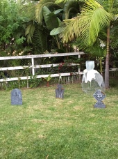 graveyard, diy chicken wire ghost-Darcy Oliver Design