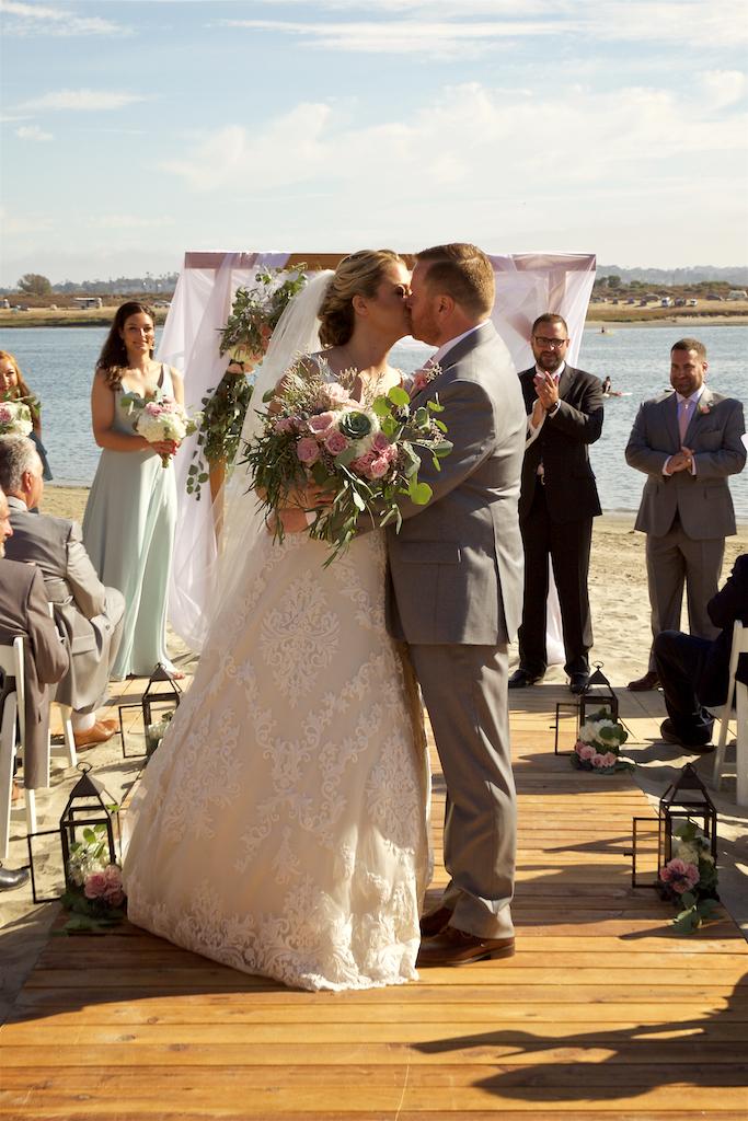 ceremony floral arrangements_darcy oliver design